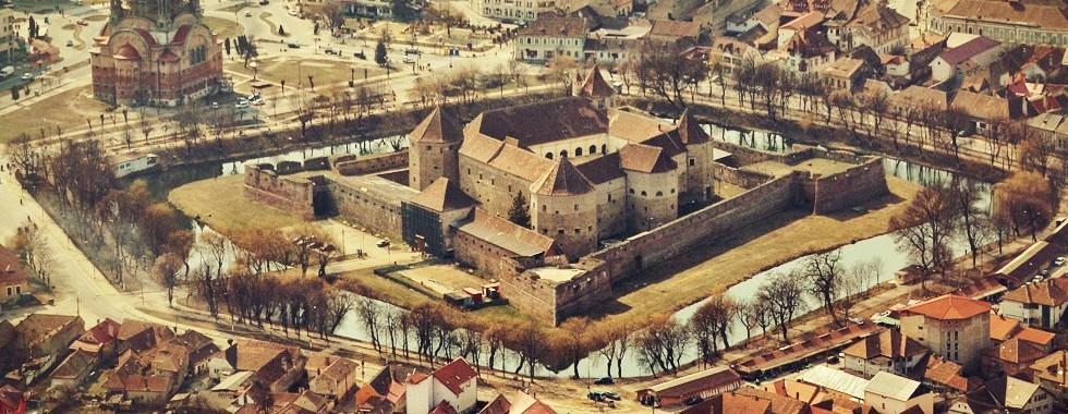 cetatea-fagaras-prin-transilvania