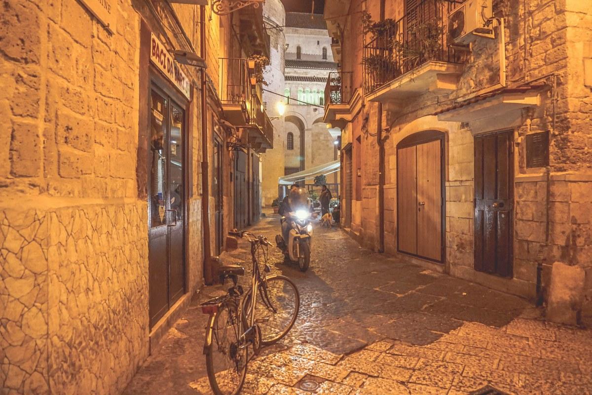 Bari by night-44_1200x800