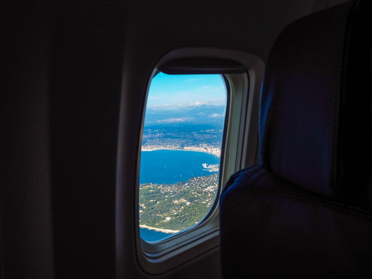 Aterizare pe aeroportul din Nisa