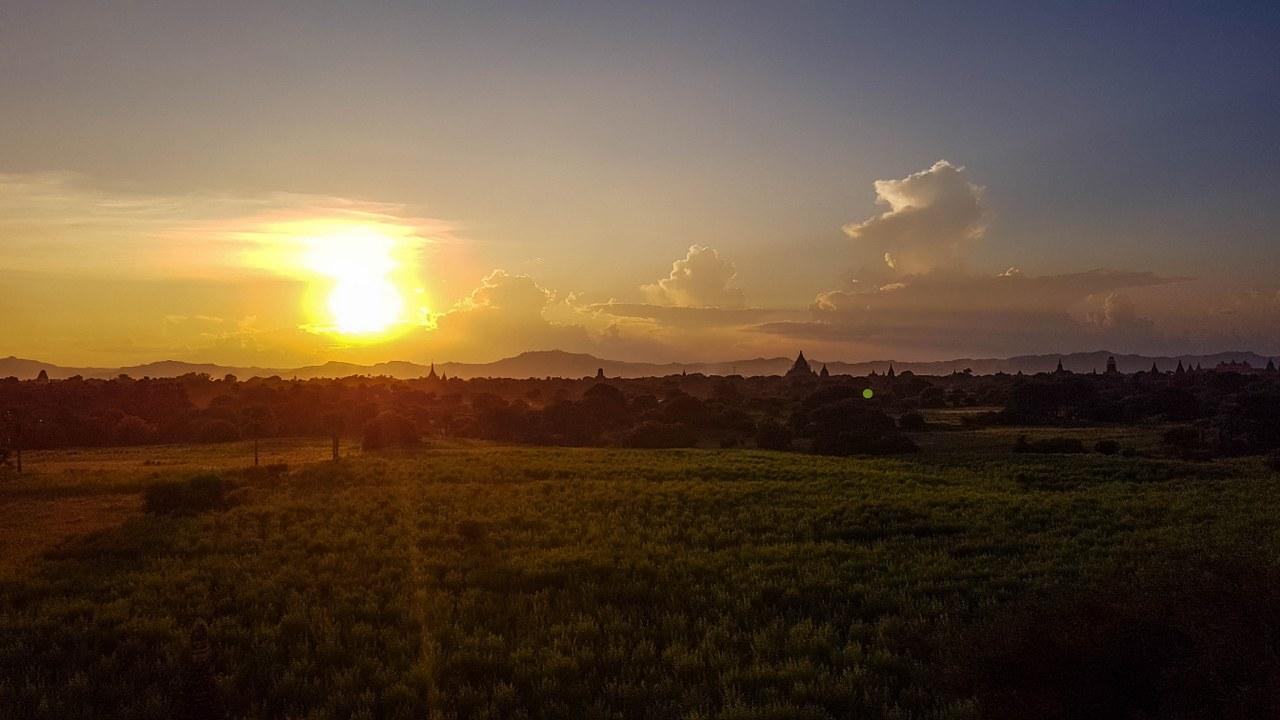 Bagan-158_1041x800  Apusul-în-Bagan-99_1280x720  Apusul-în-Bagan-102_1280x720  apusul-în-Bagan-105_1280x720