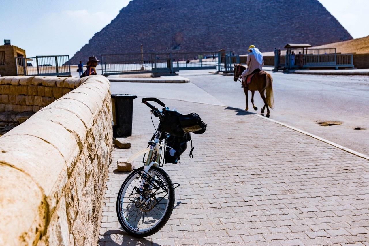 bike-in-africa-2_1280x853  bike-in-africa-5_1280x853