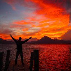 Despre Panajachel Guatemala. Multiple apusuri la lacul Atitlan